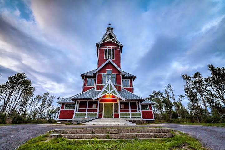 Church at Gravdal, in Lofoten, Norway. Photographer Benny Høynes