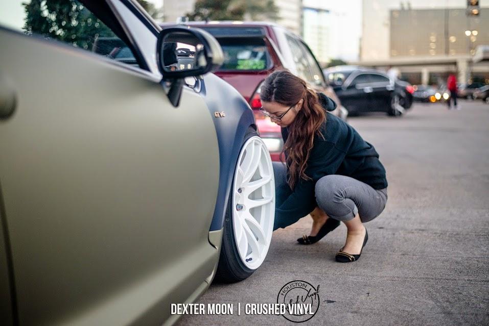 Sexy Car Girl