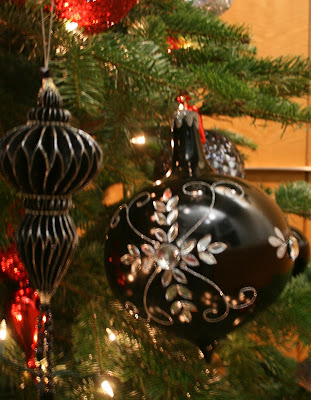 Chs creative productions red black silver holiday for Red and silver christmas decorations