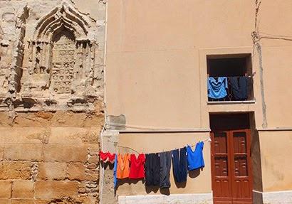 Wäsche neben dem Dom von Agrigento