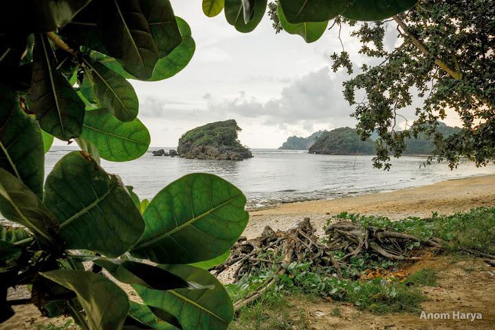 Sekilas mata, Pantai Kondang Merak