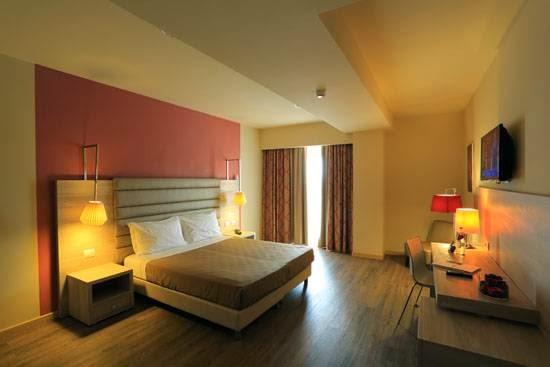 Turin Airport Hotel & Residence - Aeroporto Torino, Via Torino, 168, 10070 San Francesco Al Campo TO, Italy
