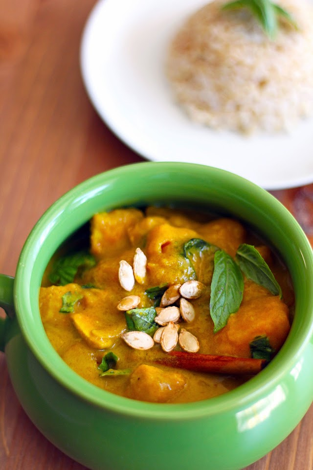 Butternut Squash Curry with Apples and Basil from dontmissdairy.com