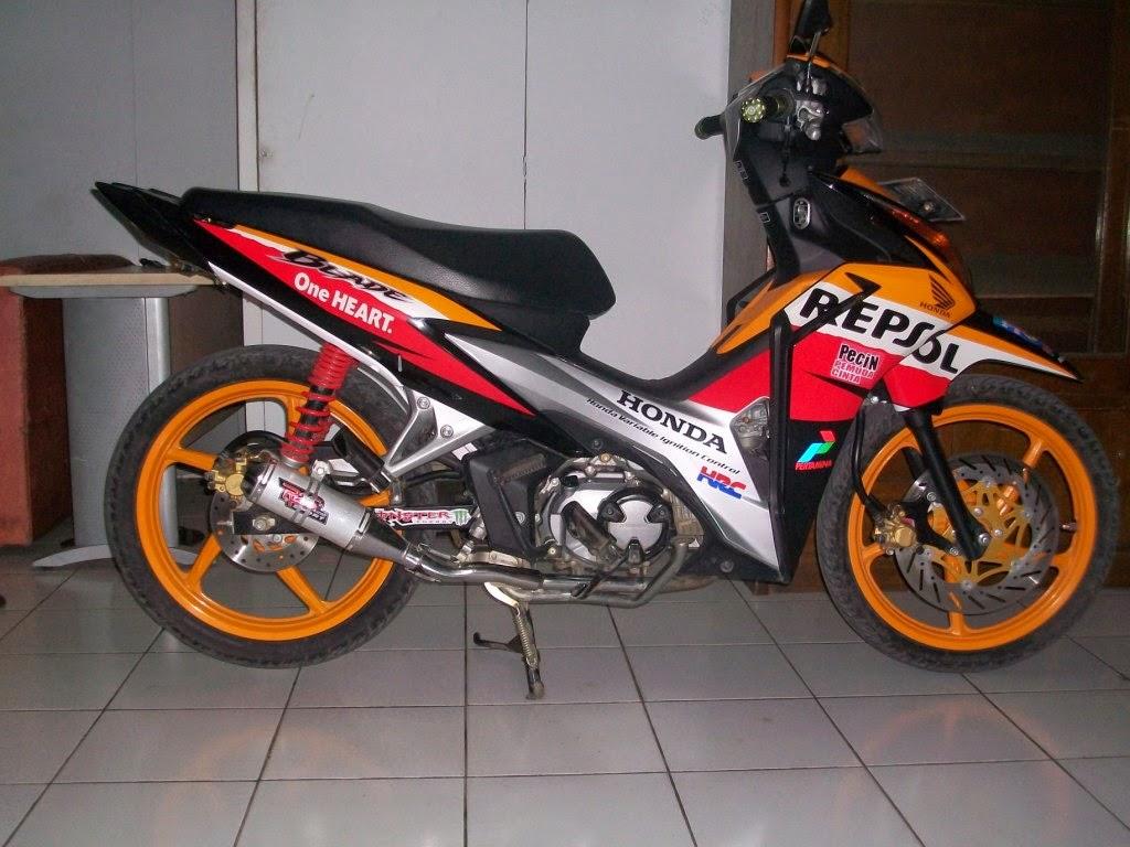 Modifikasi Honda Blade Repsol
