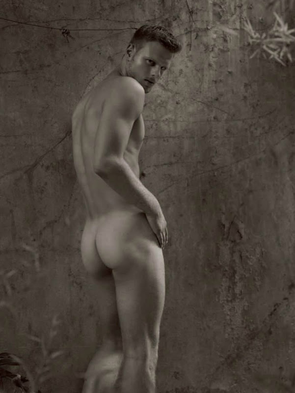 Luis Kelling @Nous by Mariano Vivanco from UOMINI, 2011