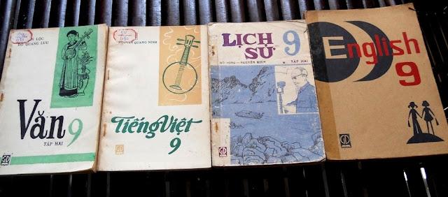 Sách giáo khoa tiểu học cũ - nơi lưu giữ từng trang ký ức DSCN3253