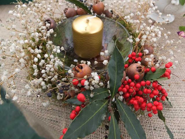 Decorazioni Natalizie Con Foglie Di Magnolia.Composizioni Floreali Di Natale Natalizie Fiori Anche Secchi