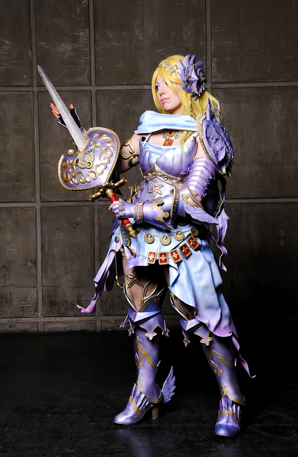 Nữ kiếm sĩ xinh đẹp trong Zangeki no Reginleiv - Ảnh 2