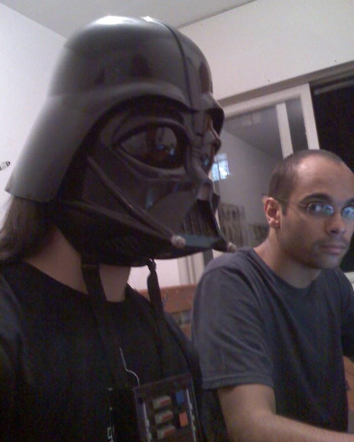 PotHix usando a mascara do Darth Vader