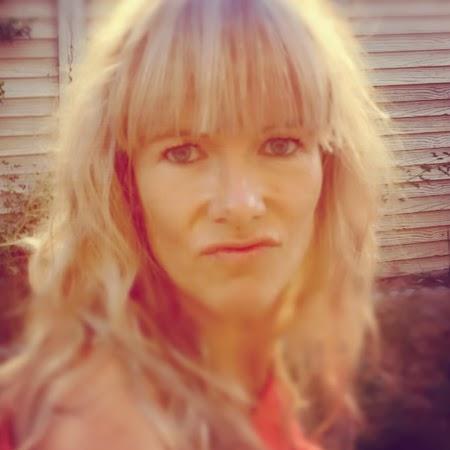 Celia White Photo 19