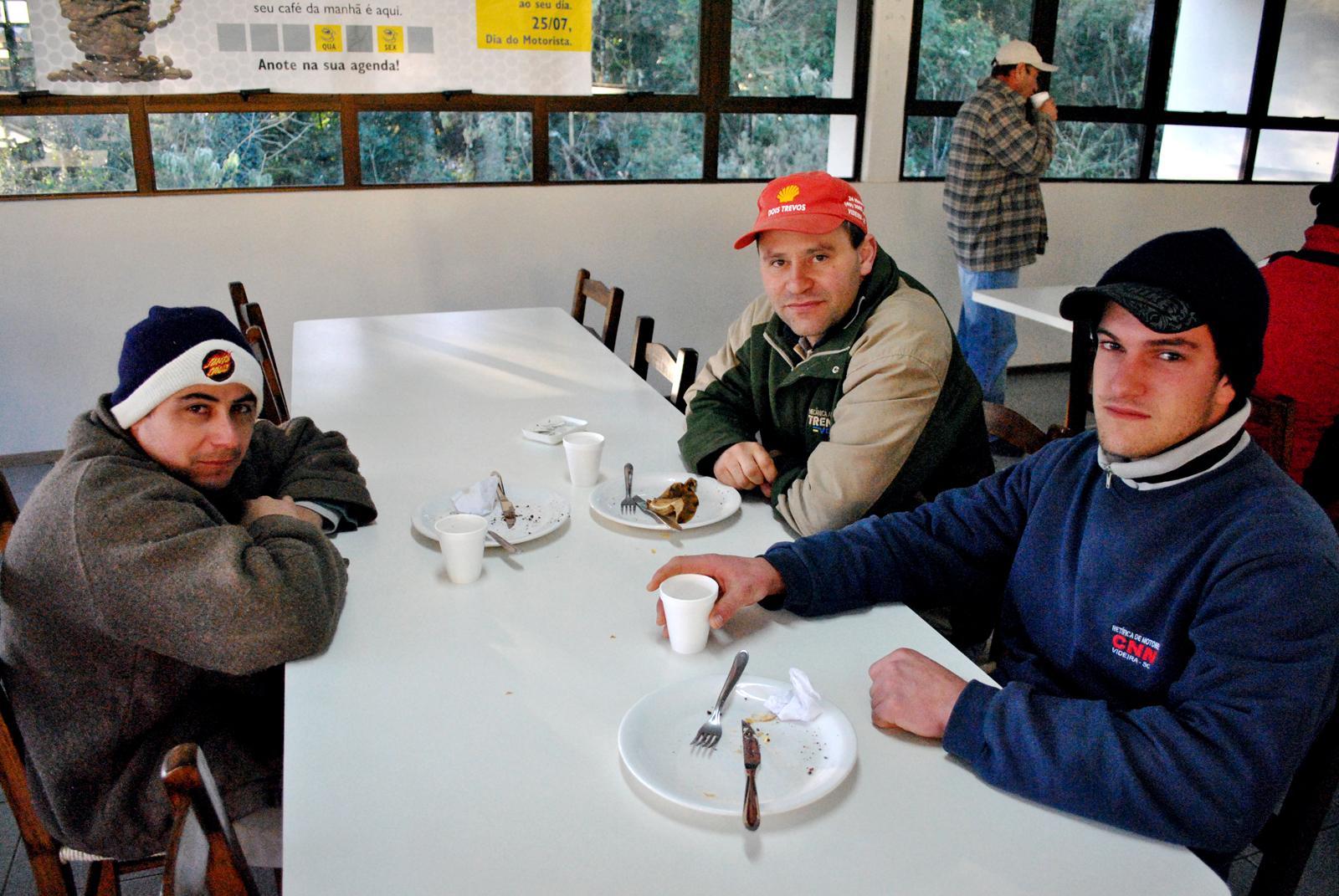 'Café com a Iveco': iniciativa é aprovada por motoristas e lideranças Iveco LA DSC 0011%252520E