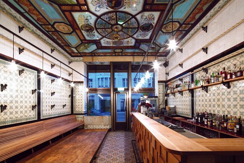 *改造中古世紀德國肉鋪的咖啡酒吧:Michael Grzesiak 保有原始彩繪磁磚! 1
