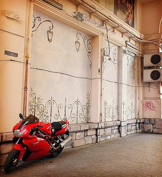 motocicleta pasajul victoria bucuresti