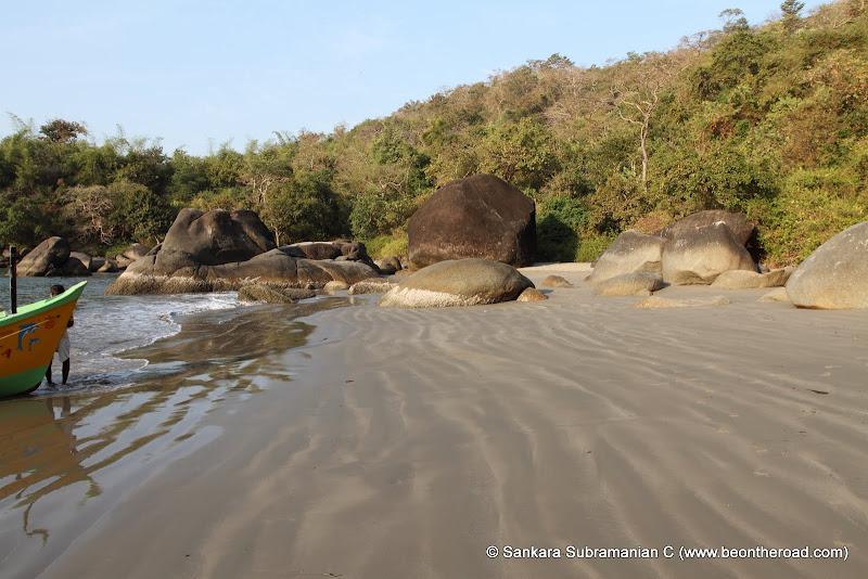 Wavy sands at honeymoon beach