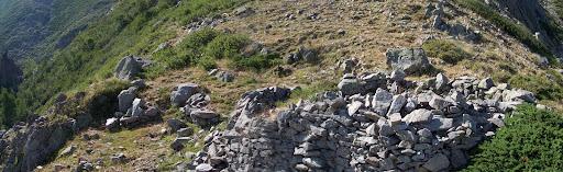 Beaux restes d'enclos sur la crête Colonelli - Ficarella