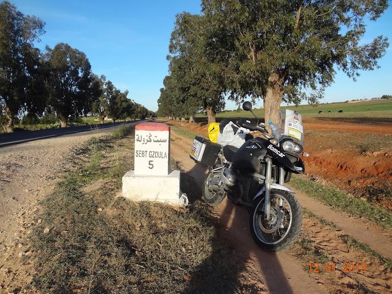 Marrocos e Mauritãnia a Queimar Pneu e Gasolina - Página 2 DSC05516