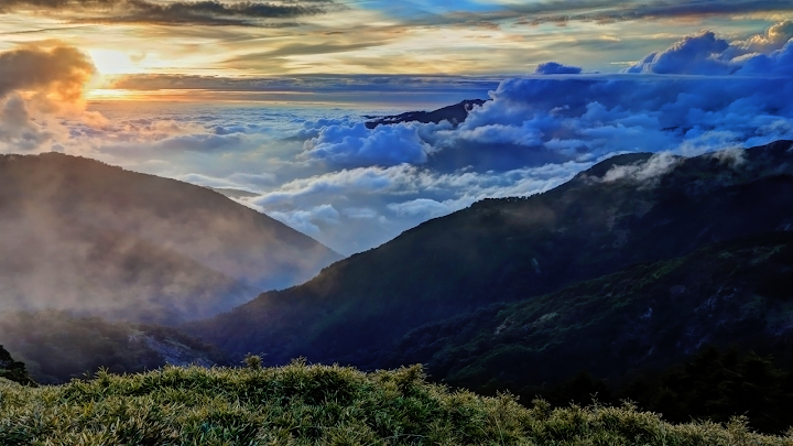 Mountain Cloudscape wallpaper