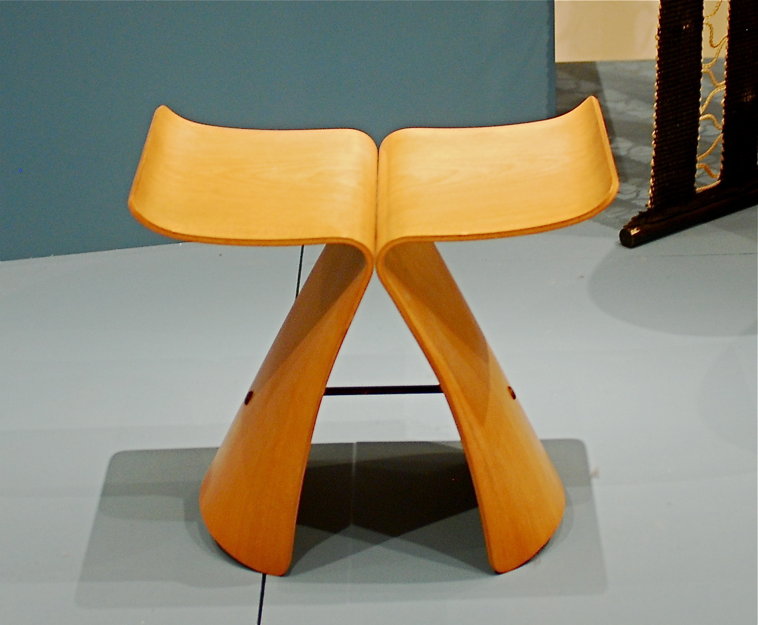 Butterfly chair sori yanagi -  Butterfly Stool 1956 By Sori Yanagi Japanese Born 1915 Molded Plywood And Metal
