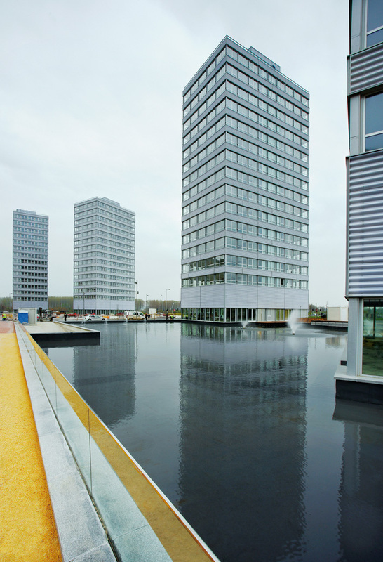 Ecococos torres bioclimaticas junto al humedal de for Oficinas vitoria