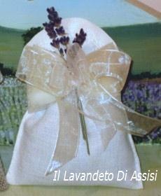 Bomboniere lavanda sacchetto in lino con merletto confetti e fiori di lavanda