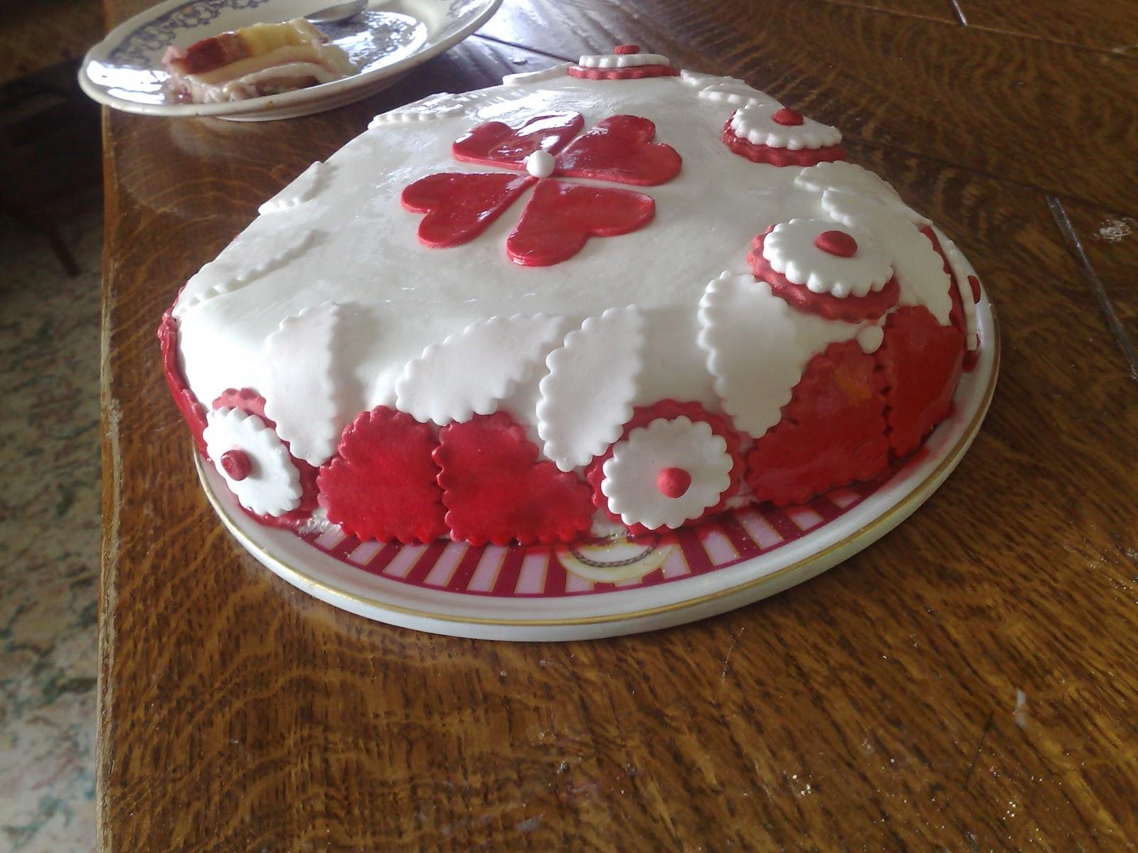 Torta di compleanno per la mia sorellona by mary73 pagina 1 for Idee per torta di compleanno