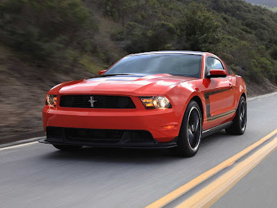 Ford-Mustang_Boss_302_2012_1600x1200_Front_Angle_06