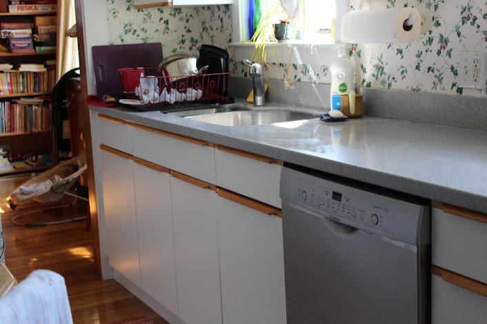 countertop clear, clean dishes in dish drain