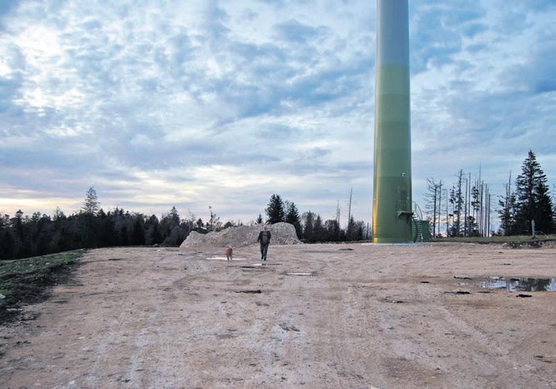 Une éolienne du même type à St. Brais, JU, 2010
