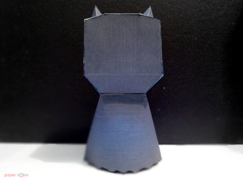 Classic Batman Papertoy in action