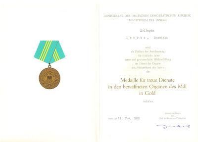 141c Medaille für treue Dienste in den bewaffneten Organen des Ministeriums des Innern für 15 Dienstjahre www.ddrmedailles.nl