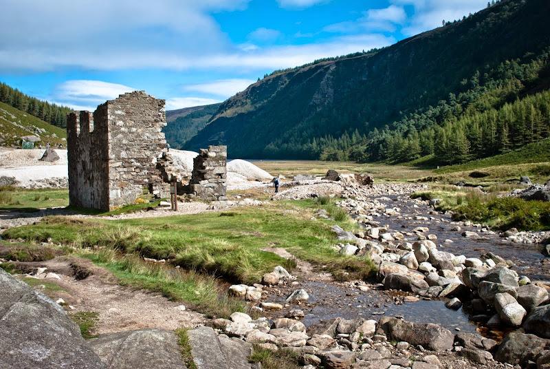 Irlandia -- szlak wokół jezior Glendalough..