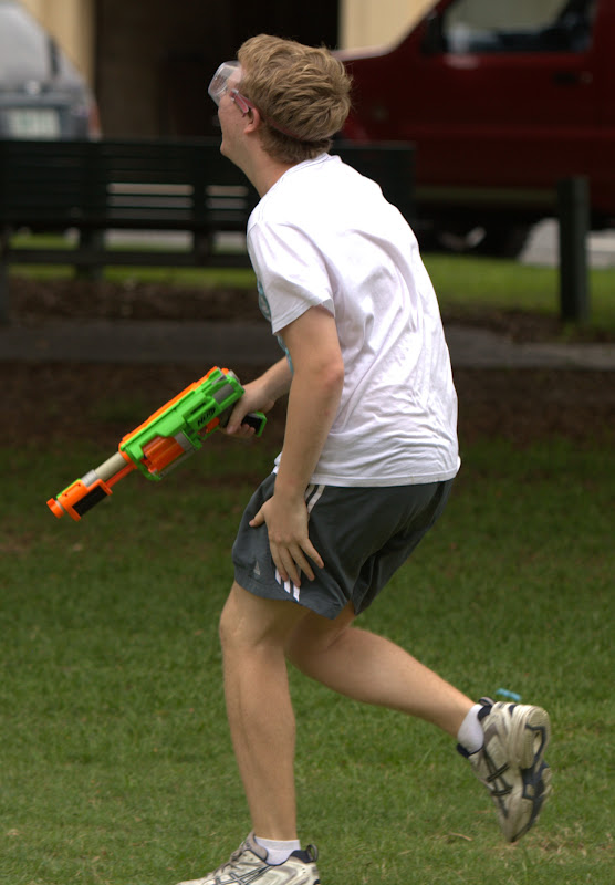 Kelvin Grove war pictures: December 18th   Picture heavy... Nerf%2Bwar%2B326