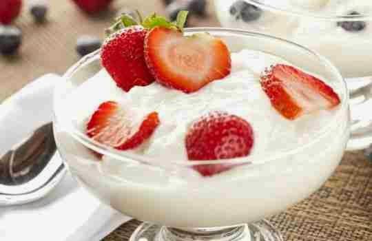 Fresas con yogurt griego