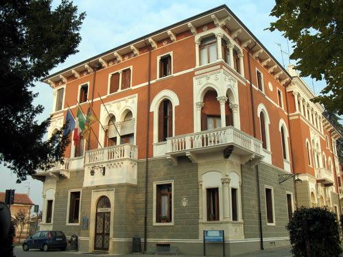 Municipio Di Lonigo, Via Castelgiuncoli, 5, 36045 Lonigo Vicenza, Italy