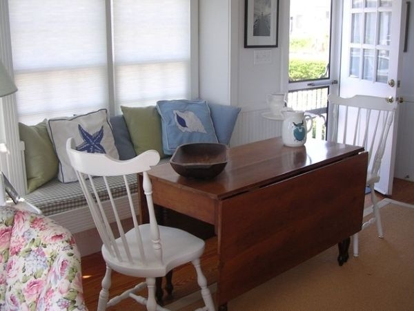 Dùng bàn xếp đa năng phù hợp cho từng không gian