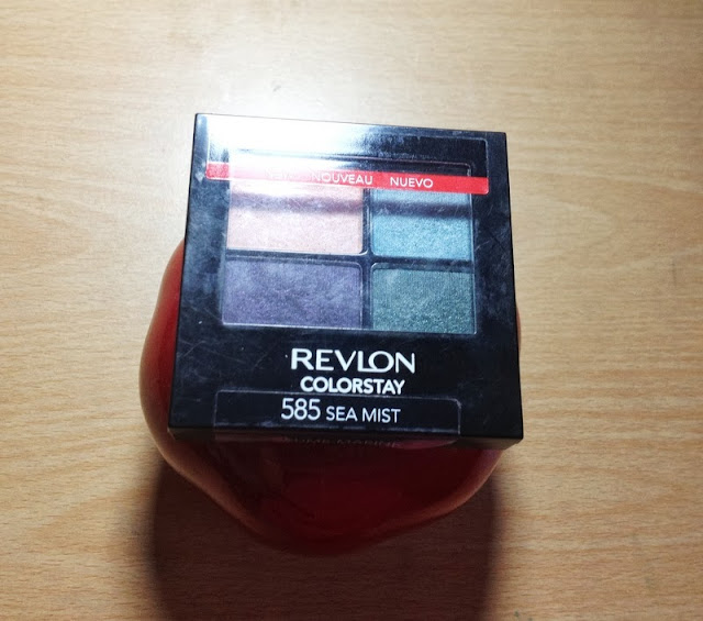 Revlon Color Stay 16 Hour Eyeshadow Sea Mist Swatches