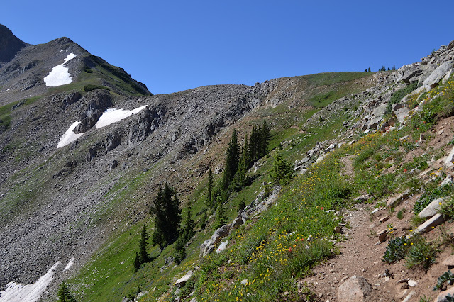 big, easy switchbacks up to the ridge line