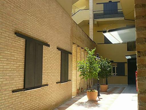 Alquiler larga duracion de piso en otra zona casco antiguo for Pisos en alquiler en sevilla capital particulares