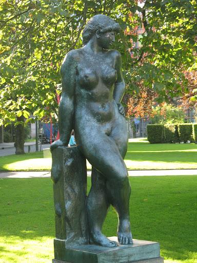 Estatua en un parque de Bergen