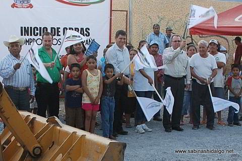 Banderazo de inicio de obra en la colonia Leopoldo González
