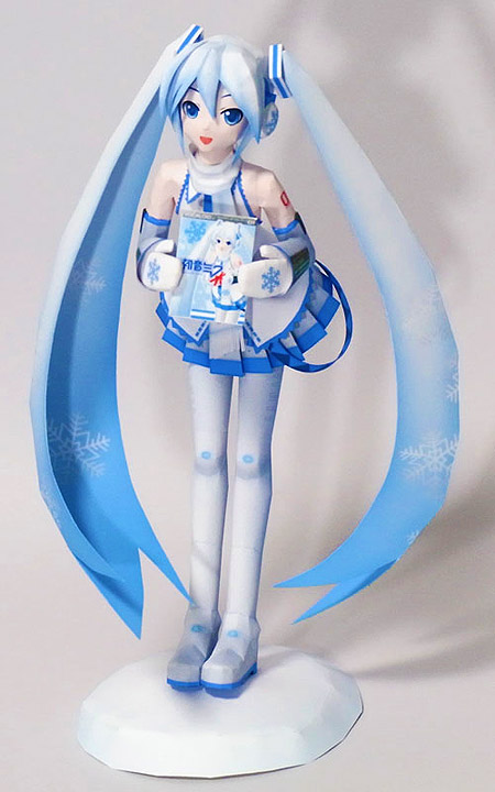 Snow Miku Papercraft