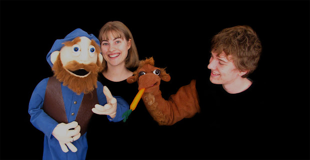 PuppetOOdle performing their new show 'The Silk Road'