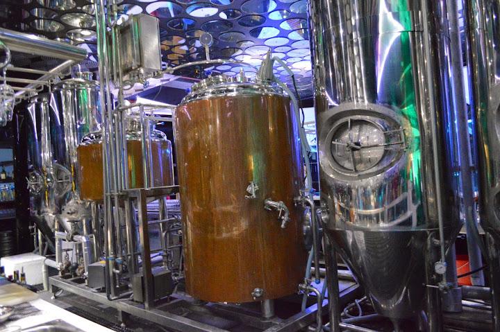 burrp! brewery tour for Oktoberfest at 3 Monkeys Brew Pub - Dhempe
