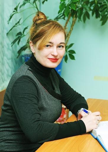 Павлова Валерія Валеріївна - кандидат педагогічних наук, доцент кафедри педагогіки