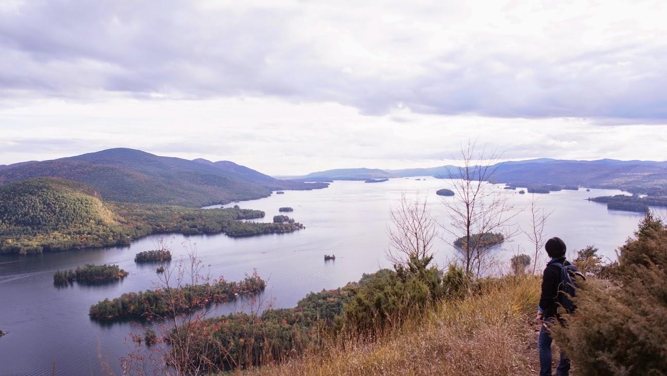 很難說這美麗的湖景和山難的遭遇該怎麼比較......XD 我們離湖的尖端越來越近,跟上面的照片相較,也看得出來高度也越來越低囉~