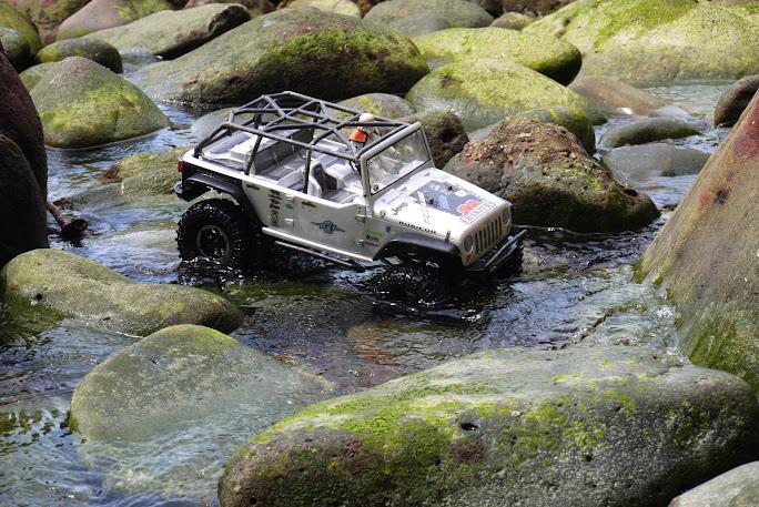 jeep - Axial Jeep Borneo escapade P1020609