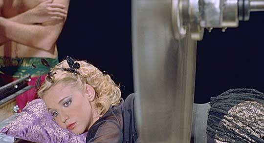 La Fille coupée en deux Hosted by Picasa