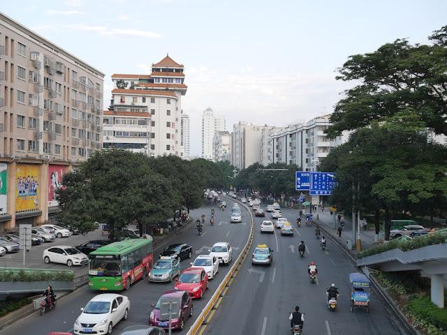 Zhongfa Road (钟法路) in Zhangzhou