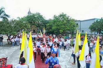 Giới trẻ giáo hạt Đồng Chưa đón Thánh Giá ĐHGT