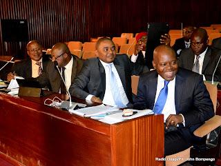 Le député national du MLC Fidèle Babala ( extrême droite) au palais du Peuple lors d'une plénière à l'assemblée nationale. Radio Okapi/Ph. John Bompengo